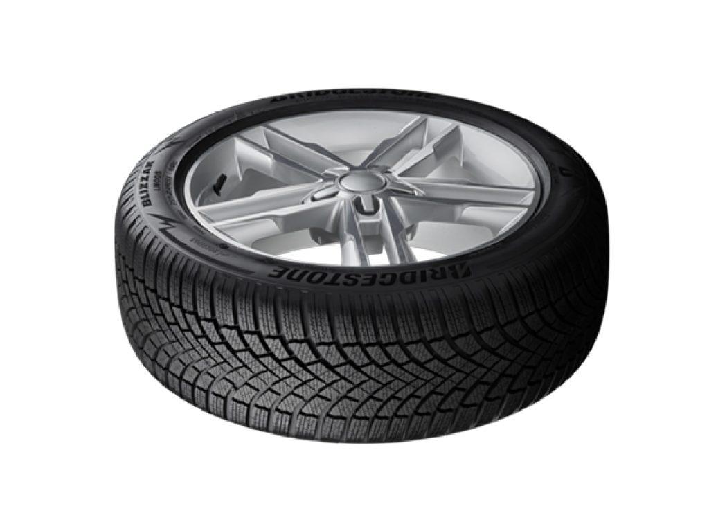Bridgestone Blizzak LM005 orizzontale